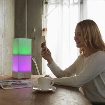 Onia® table - Lichtfarben per App einstellen