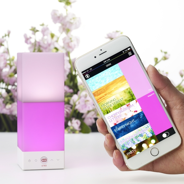 Onia® mini with the app chromotherapy